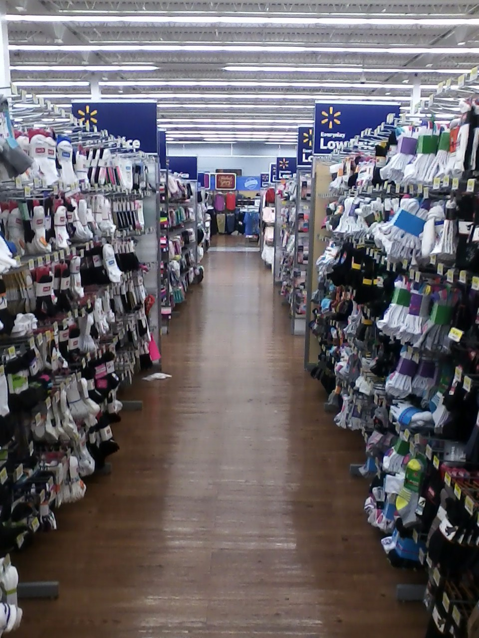 A Shoeblogger Goes To Walmart Shoe Philosophy The Walking Life